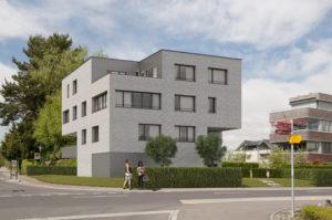 Huenenberg_Var1_low-300x199 Huenenberg Visualisierung Mehrfamilienhaus